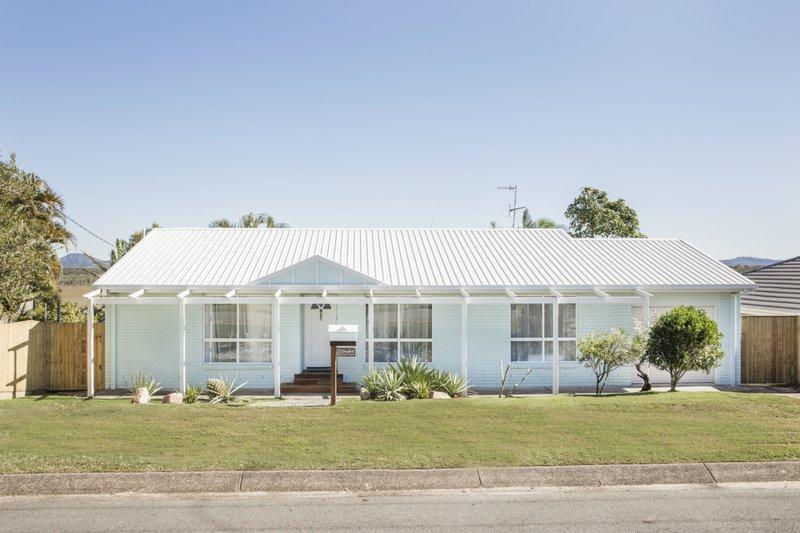 Parakeet-cottage-front-1280x853.jpg