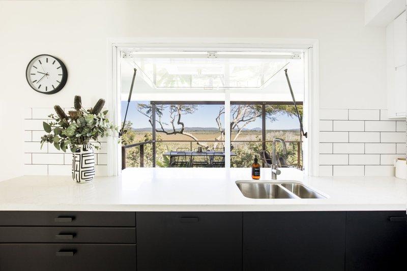 Parakeet-cottage-kitchen-window-1280x853.jpg