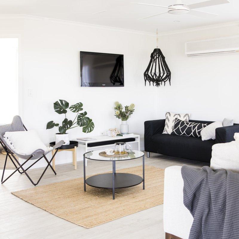 Parakeet-cottage-lounge-1280x1280.jpg
