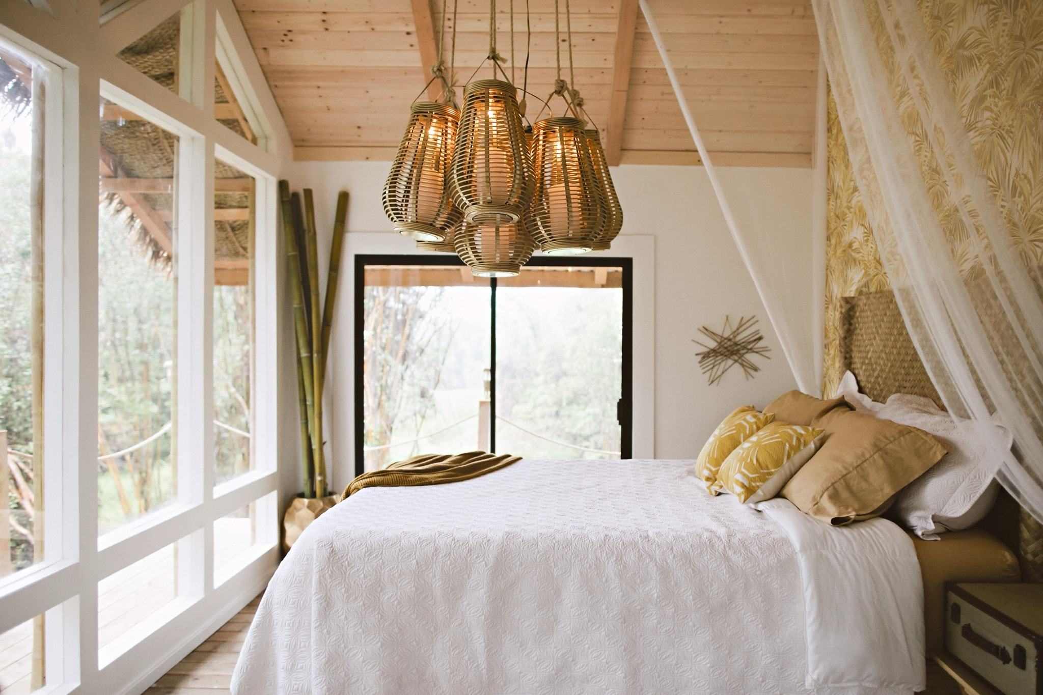 6-dreamy-tropical-treehouse-min.jpg