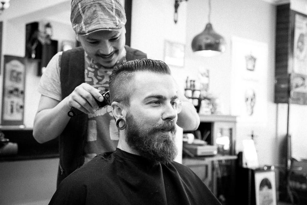 le-barbier-main